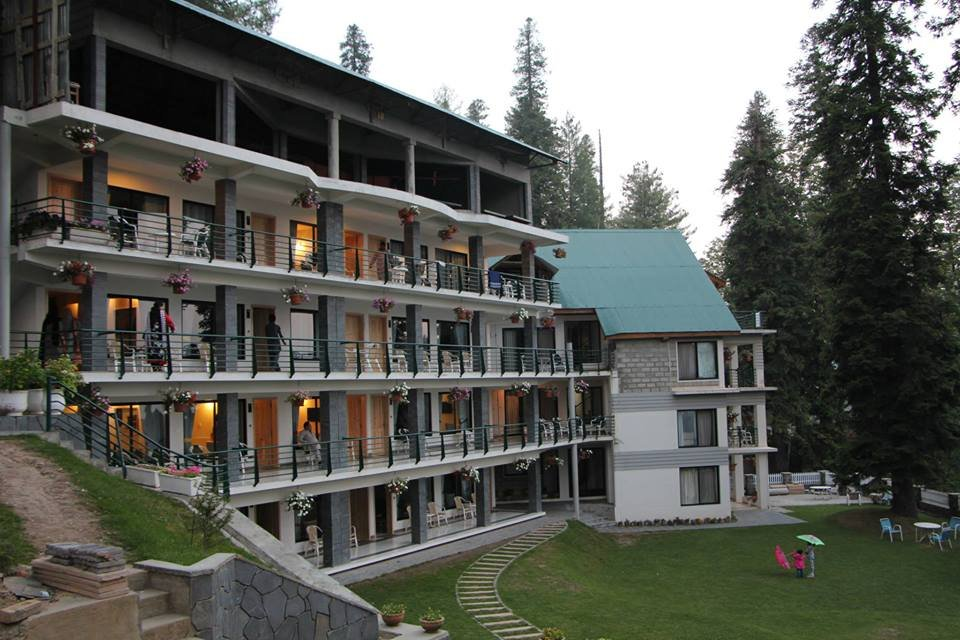 http://www.retreathotels.pk/nathiagali/hotel-summer-retreat/24